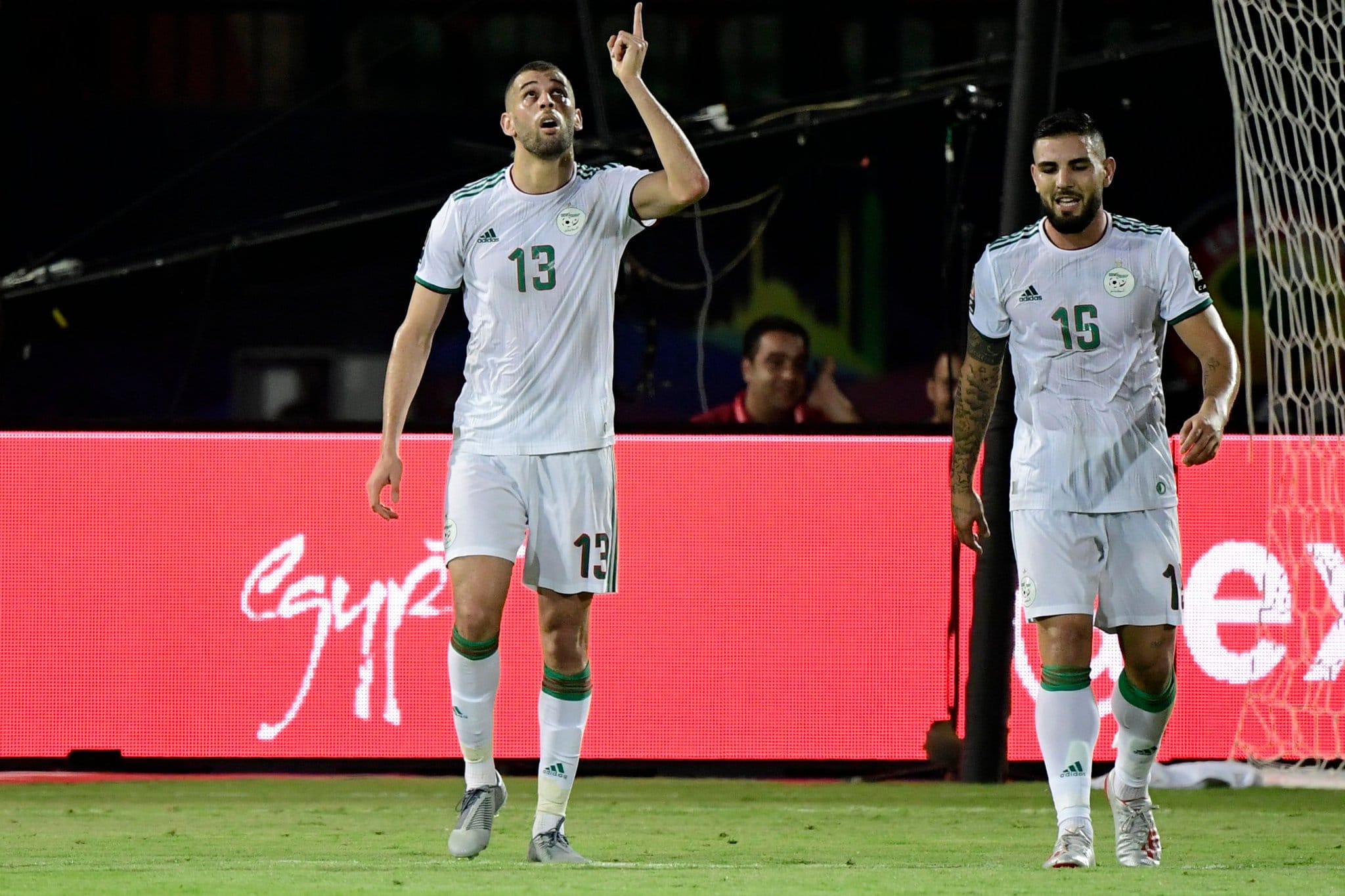 احتفال إسلام سليماني بهدفه في شباك جيبوتي في تصفيات مونديال كأس العالم 2022