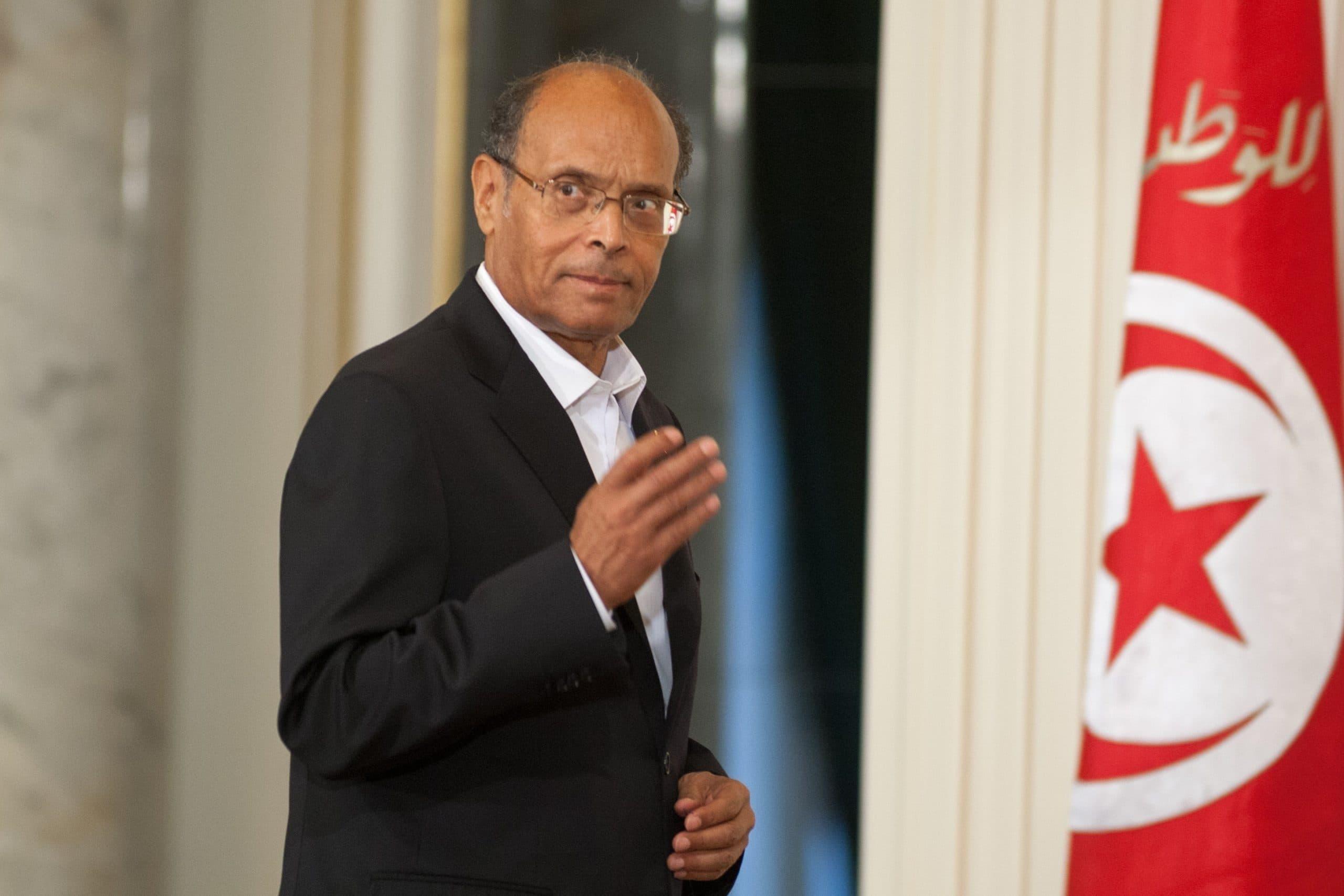 """المرزوقي يدعو إلى عزل قيس سعيد ومحاكمته وانتخاب """"رئيس عاقل"""" يجمع التونسيين"""