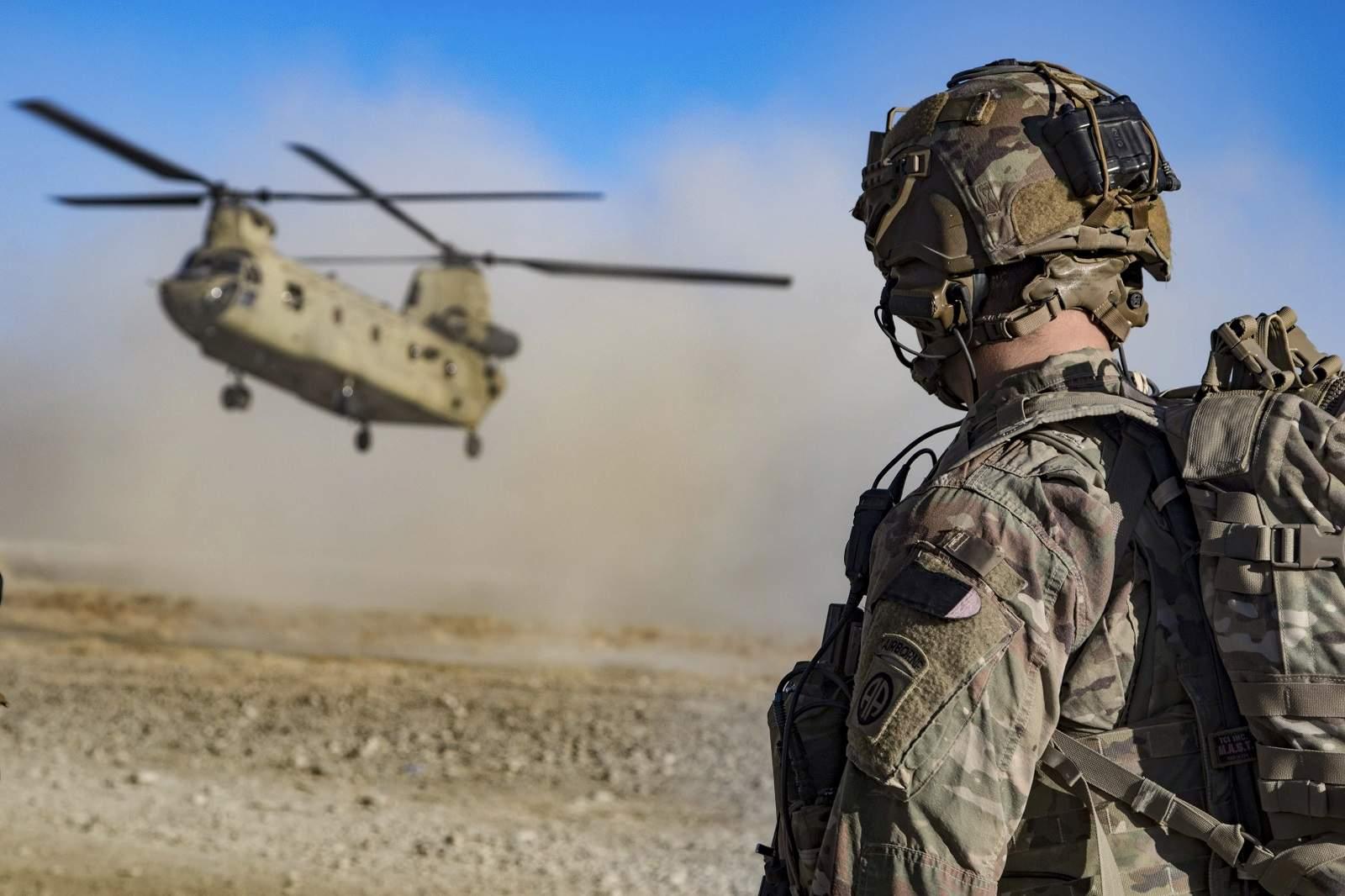 كريستوفر فيليبس يتساءل: هل الانسحاب من سوريا خطوة بايدن التالية بعد أفغانستان؟