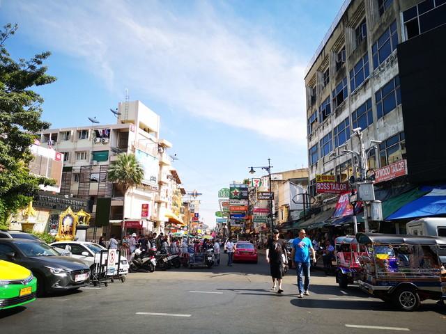 【バンコク】バックパッカーの聖地?!観光地としてもテンションの上がるカオサン通りの見どころとSNS映えスポット。