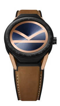 TAG Heuer SBF8A8023.32EB0103 KINGSMAN SPECIAL EDITION - BROWN LEATHER STRAP PACKSHOT 2017 HD_dial ON