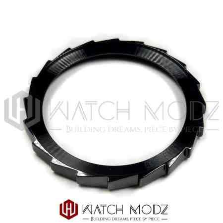 Polished Black Sawtooth Bezel