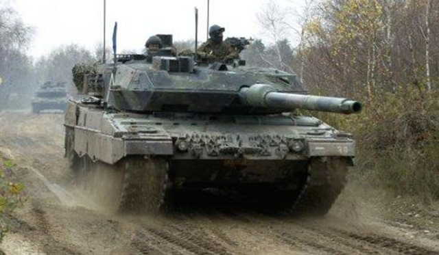 9Holland_Leopard_2A6