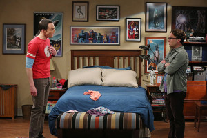 """""""The Maternal Combustion"""" -- Personalities collide when Sheldon (Jim Parsons, left) and Leonard's (Johnny Galecki, right) mothers finally meet. Meanwhile, Howard finally decides to """"man up"""" and do his fair share of the housework -- but not without a little help from his friends, on THE BIG BANG THEORY, Thursday, April 30 (8:00-8:31 PM, ET/PT), on the CBS Television Network. Photo: Michael Yarish/Warner Bros. Entertainment Inc. © 2015 WBEI. All rights reserved."""