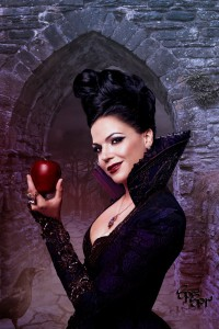 the_evil_queen_from_once_upon_a_time_by_sprsprsdigitalart-d5oe0tp