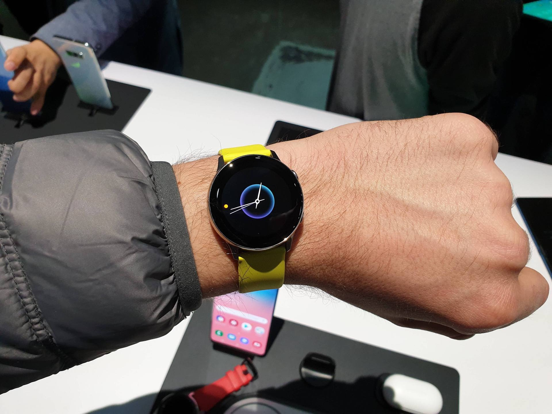How the Samsung Gear Live Is Different From the Traditional Fitness Wear Watches
