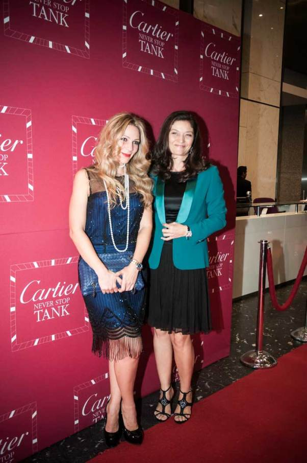 Tank Night Sophie Diaz, Directora de Cartier México, y Zarina Rivera, Fundadora y CEO de Sweet AD, posaron para la cámara de Watches World durante la presentación de la nueva colección de relojes: Tank Anglaise.