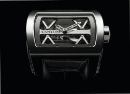 2009. Un nuevo capítulo. La marca presenta su segundo movimiento hecho en casa: el Ti Bridge. Es el primer modelo que alberga al nuevo calibre CO 007.