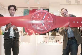 """Swatch Opening """"Paseo Interlomas"""" El cantante mexicano Leonardo de Lozanne y Frank Furlan, Presidente de Swatch Group E.U., fueron los encargados de realizar el tradicional corte del listón."""