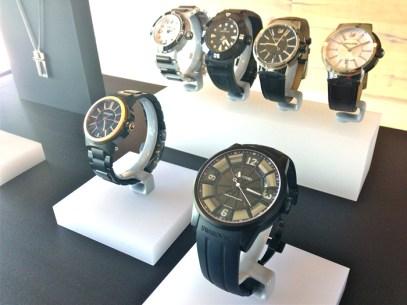"""Swarovski presentó parte de su colección de relojes para hombre 2013. Destaca la remoción del """"cisne"""" de Swarovski, estrategia que ha funcionado a la perfección."""