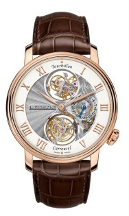 Blancpain Tourbillon Carrousel: el tourbillon y el carrusel hacen parte de las grandes realizaciones que tienen como objetivo reducir los efectos producidos por la fuerza que ejerce la gravedad terrestre en el funcionamiento del movimiento. Por primera vez en la historia de la relojería, Blancpain presenta un reloj de pulsera que reúne a estos dos reguladores.