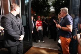 Fernando Alonso a su llegada a la boutique de Hublot en Miami.