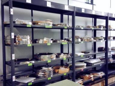 La materia prima es almacenada y clasificada previo a la producción.