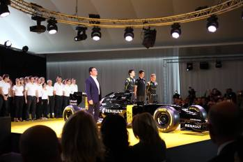 Bell Ross - Renault Sport F1 Team-.6jpg