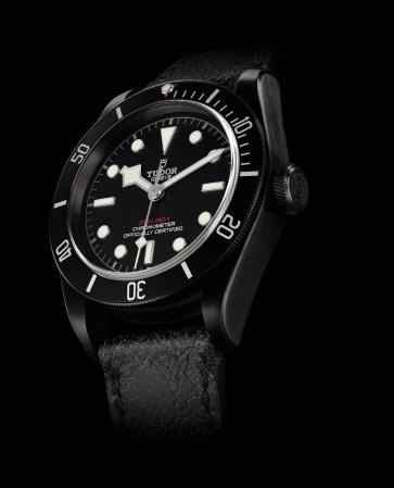 m79230dk-0003_black_leather_black_det1_amb