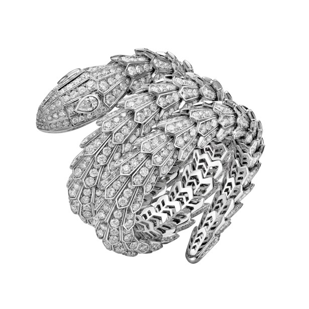 bulgari_high_jewellery_serpenti_bracelet_worn_by_bella_hadid-jpg__2160x0_q90_crop-scale_subsampling-2_upscale-false
