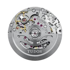 TUDOR-Heritage-Black-Bay-Chrono-5