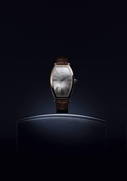 Cartier-Tonneau-2019-Horas y Minutos-2