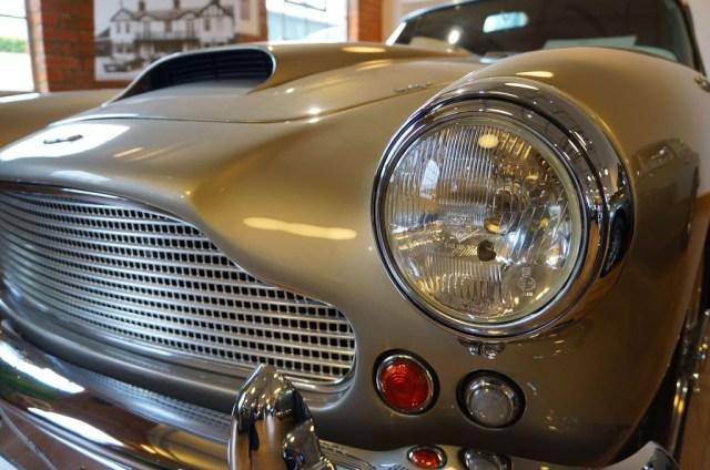 Aston Martin DB4 Superleggera front view
