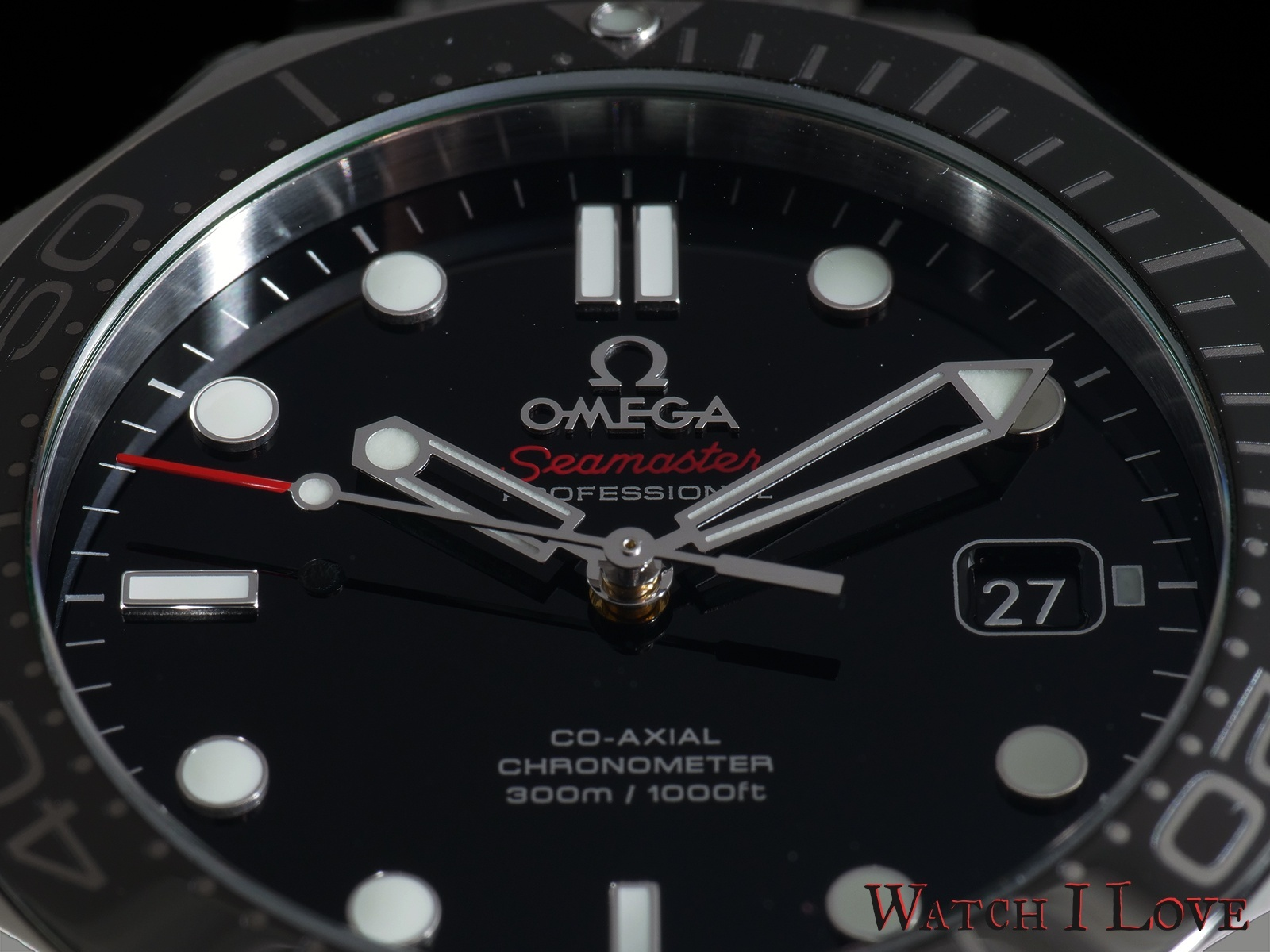 Omega-Seamaster-Profesional-Diver-300-dial-front