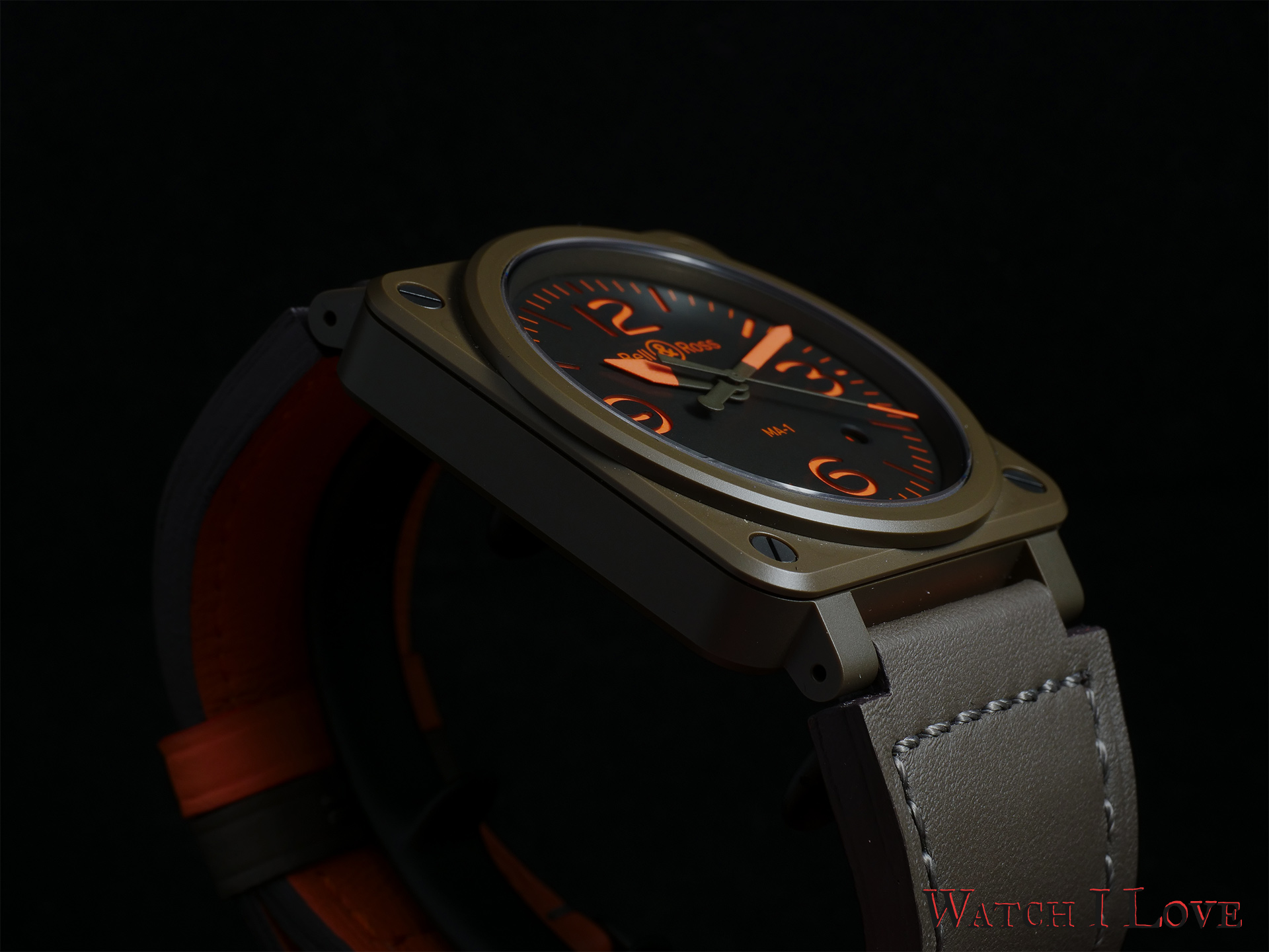 Bell & Ross BR 03-92 MA-1 case oblique