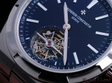 Small seconds indication on the tourbillon cage