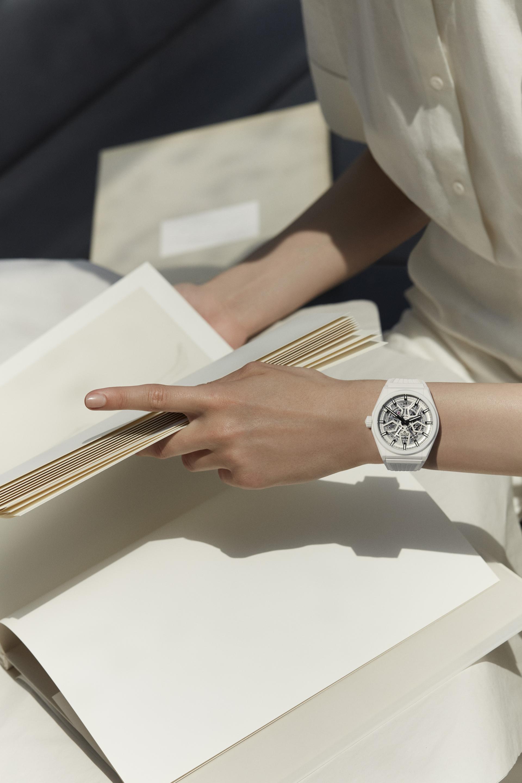 ZENITH Defy Classic White Ceramic Reference: 49.9002.670/01.R792