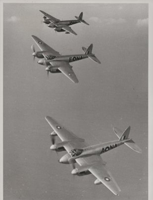 27_archive-image-of-three-de-havilland-d.h.98-mosquito-flying-in-formation