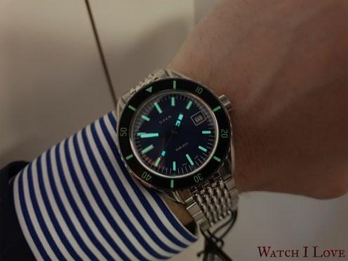 DOXA-SUB-200-blue-wrist-SuperLuminova