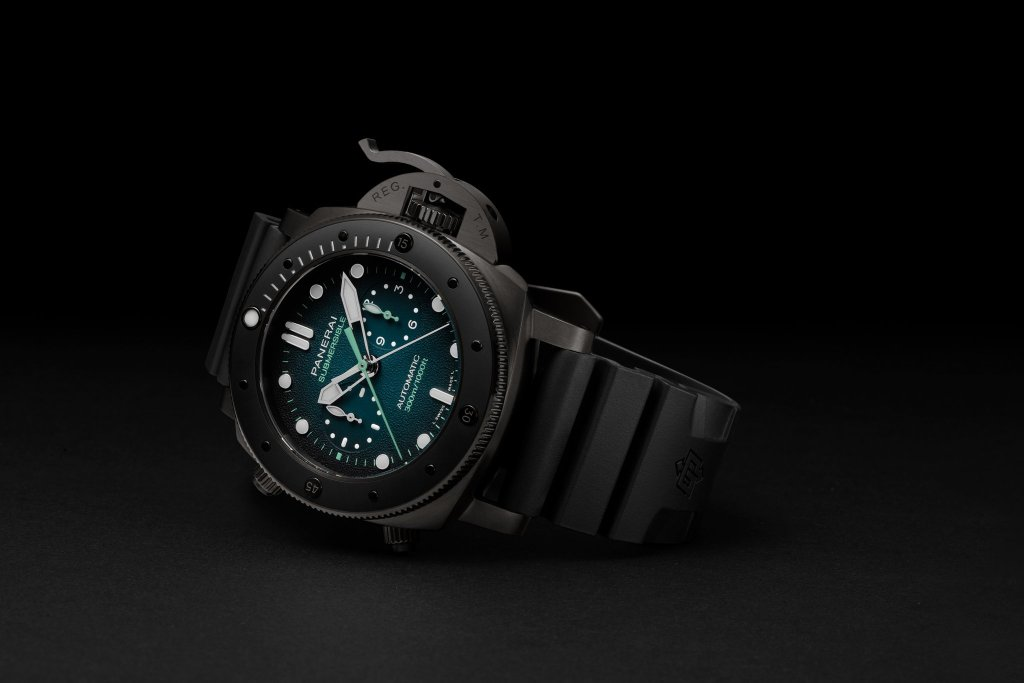 Panerai Submersible Chrono Guillaume Néry Edition PAM00983
