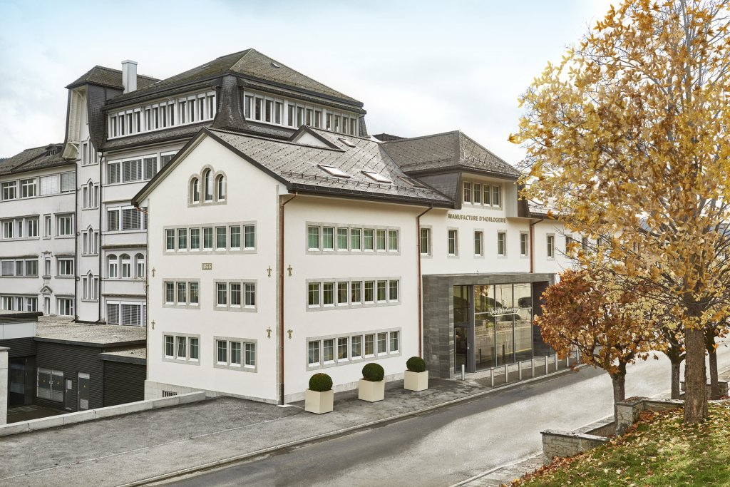 Jaeger-LeCoultre Manufacture - Home of Fine Watchmaking: Legacy of Tradition and Innovation