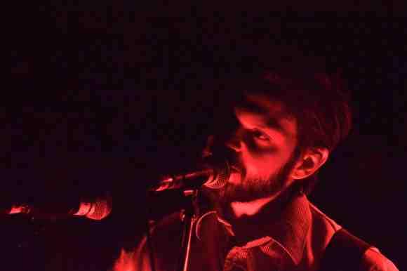 Aron D'Alesio performing at the Seahorse Tavern. (Photo: Hannah Daley)