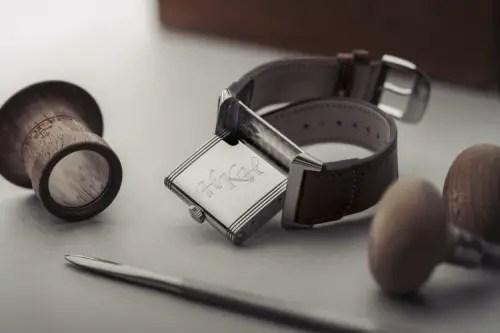 500 Nicholas Hoult Personalised Engraving Reverso @alexteuscher 3
