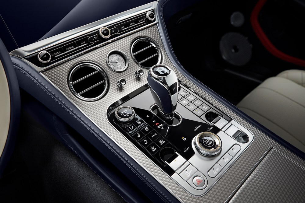 S19 Bentley Continental Gt Mulliner Convertible Centralcloseup V3a Imperialveneer