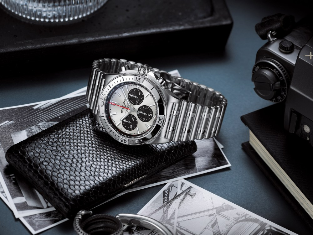 01 Chronomat B01 42 With A Silver Dial And Black Contrasting Chronograph Counters 2 1024x768