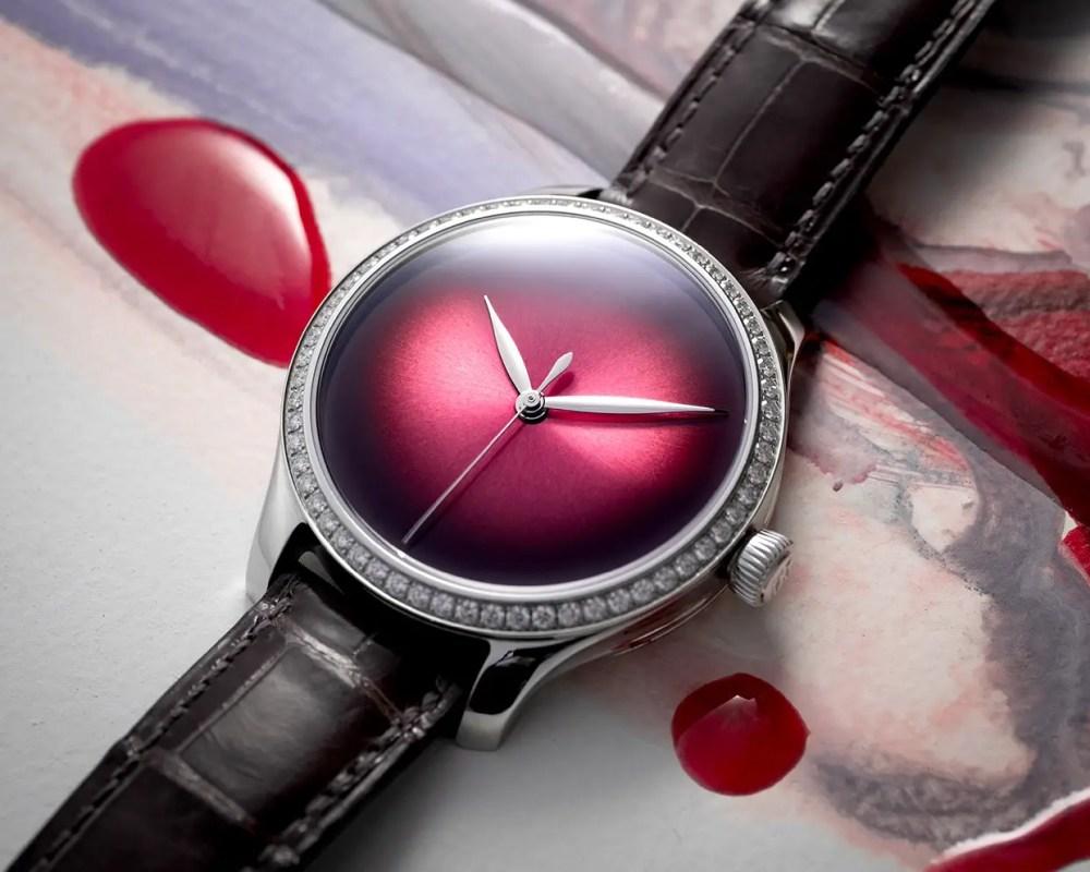 Endeavour Centre Seconds Diamonds Concept 1200 1208 Lifestyle 01
