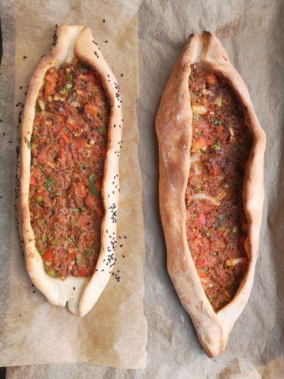 Recept: all inclusive Turkse pide met gehakt