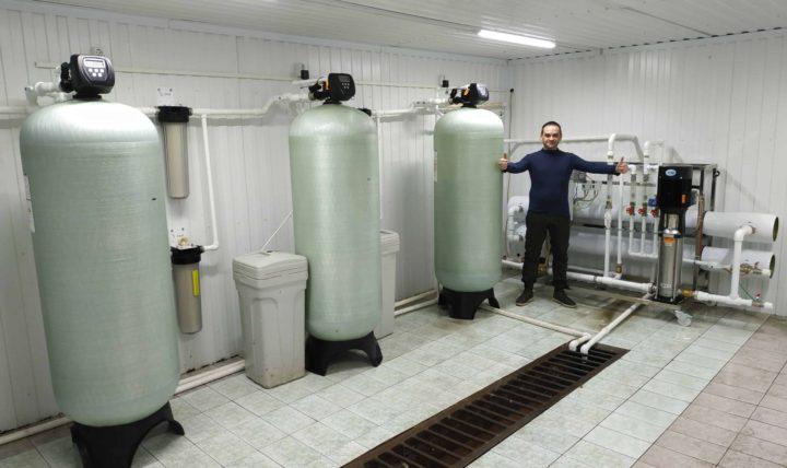 Мини завод по производству бутилированной воды 100 тонн в сутки