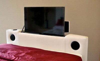 Kensington TV Waterbed With TV