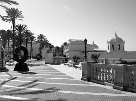 Cadiz seafront BW DSCN1562