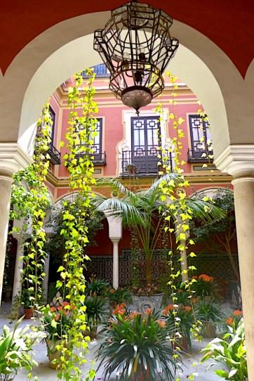 Patio in Seville P1050323