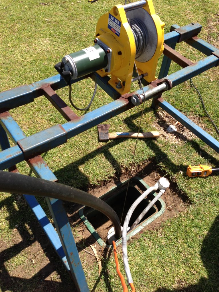 My submersible pump running with no water | Perth Water Bore