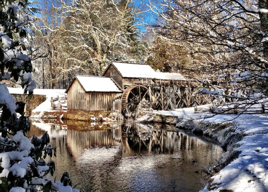 Mabry Mill Virginia A Snowy Experience Waterfalls Hiker