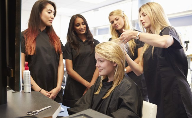 Wwn Investigates Why Hairdressers Take Mondays Off