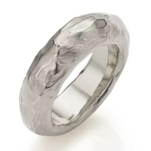 Der Ring Treasure 3 aus Silber
