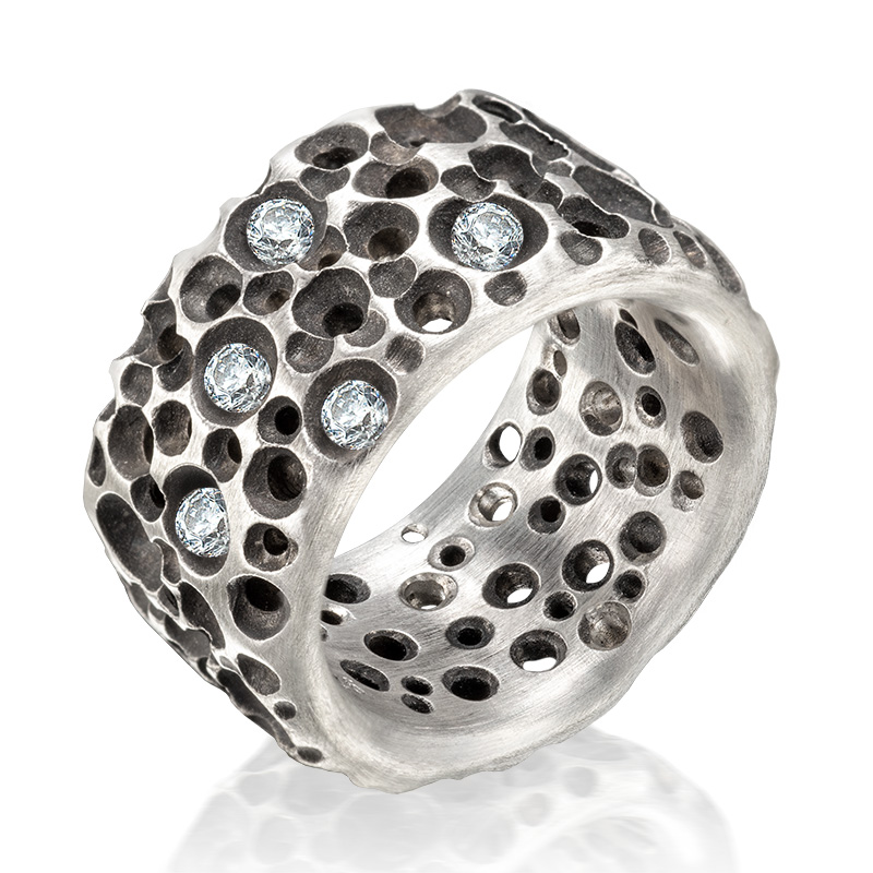 Ring Sponge mit Brillanten