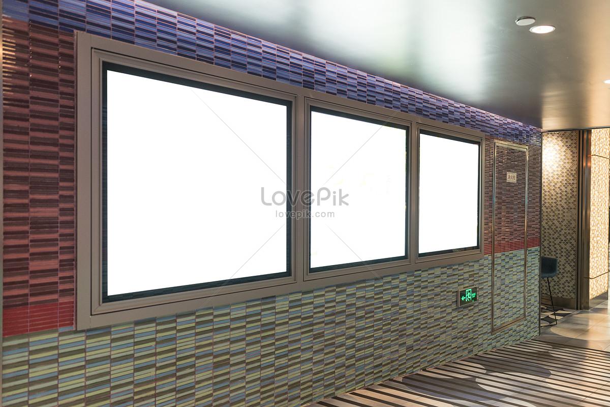 地鐵商場空白燈箱廣告位圖片素材-JPG圖片尺寸5215 × 3477px-高清圖片500786903-zh.lovepik.com