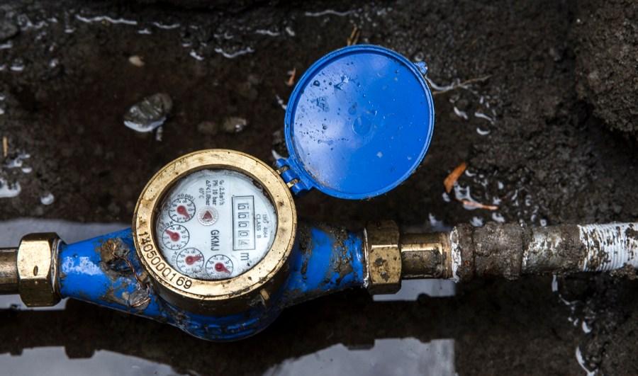 The Water Mission Kenya team encountered engineering difficulties like lacking water pressure in Enariboo, Kenya.
