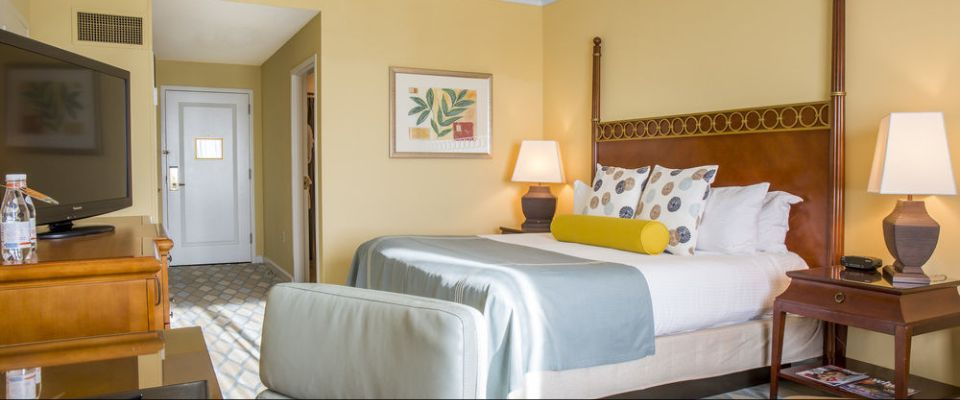 View of a Room with a King Bed at the Orlando Omni Championsgate 960