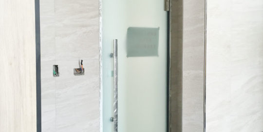 Glass door hinge-glass to metal frame